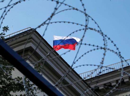 Путин не договорился: почему продлили санкции