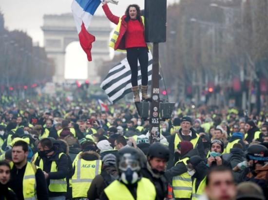 Чому Париж називають столицею європейських мародерів