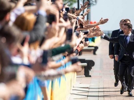 Інавгурація президента України, підготовка Польщі до виборів в Європарламент та парламентські перегони в Індії