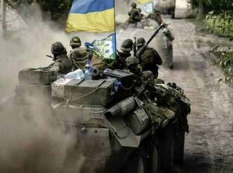 Якщо в України буде сильна армія, то самі прийдуть і покличуть нас в НАТО