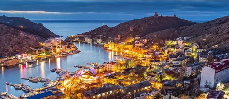 Почему Россия затягивает в Крым политиков Европы