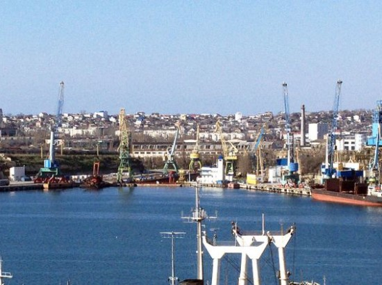 Порушення кримських морських санкцій в листопаді 2017 року: експорт зерна, імпорт цементу та ільменіту