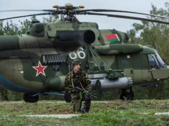 """""""Лукашенкові вигідний конфлікт між Україною та Росією"""""""