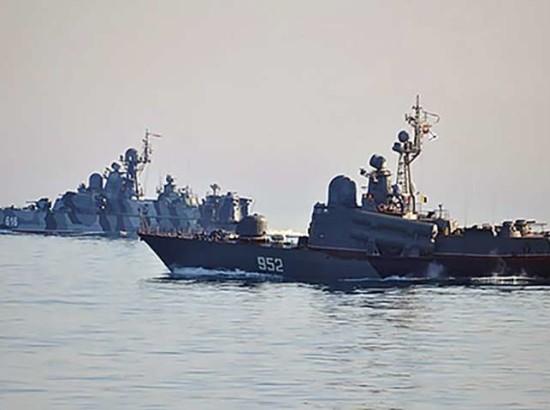 Вторгнення Росії в Азовське море: активісти вимагають відповіді та кризового реагування