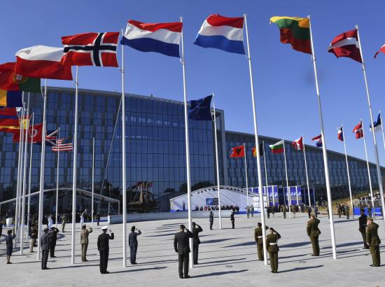 Зустріч глав держав НАТО – це насправді знайомство