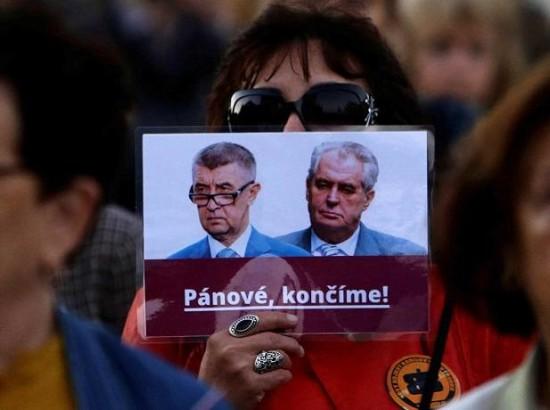 Невірний поступ чеської демократії