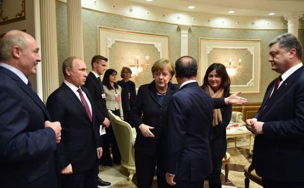 Petr-Poroshenko-Vladimir-Putin-Angela-Merkel-Fransua-Olland